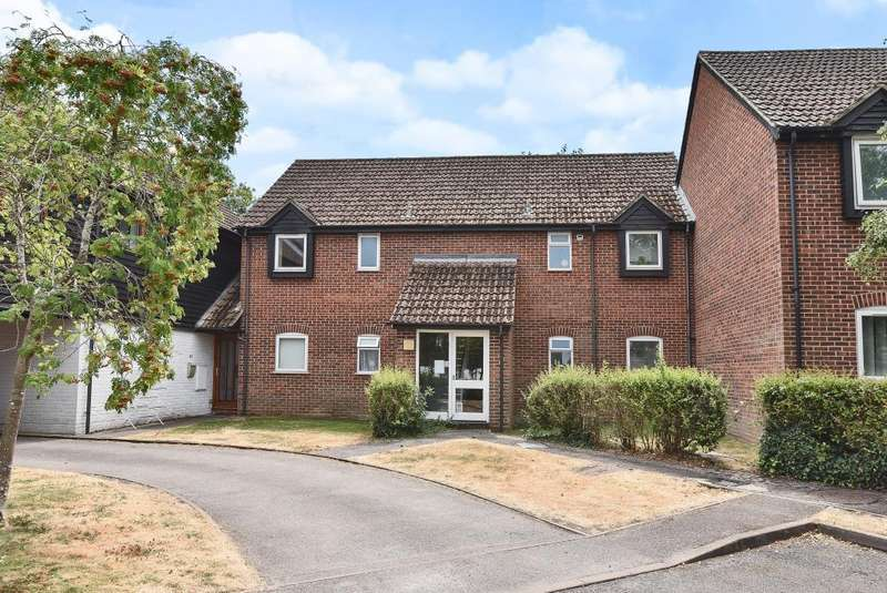 1 Bedroom Flat for sale in Eeklo Place, Newbury, RG14