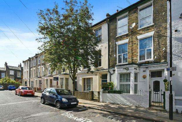 3 Bedrooms Maisonette Flat for sale in WITLEY ROAD Archway N19 5SQ