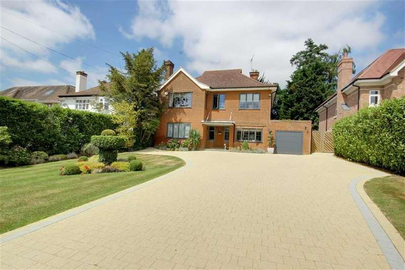4 Bedrooms House for sale in Georges Wood Road, Brookmans Park, Hertfordshire
