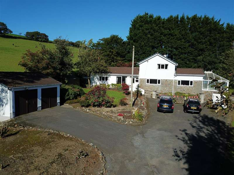4 Bedrooms Detached House for sale in Cilfara Fach, Llanwrda, Llandovery