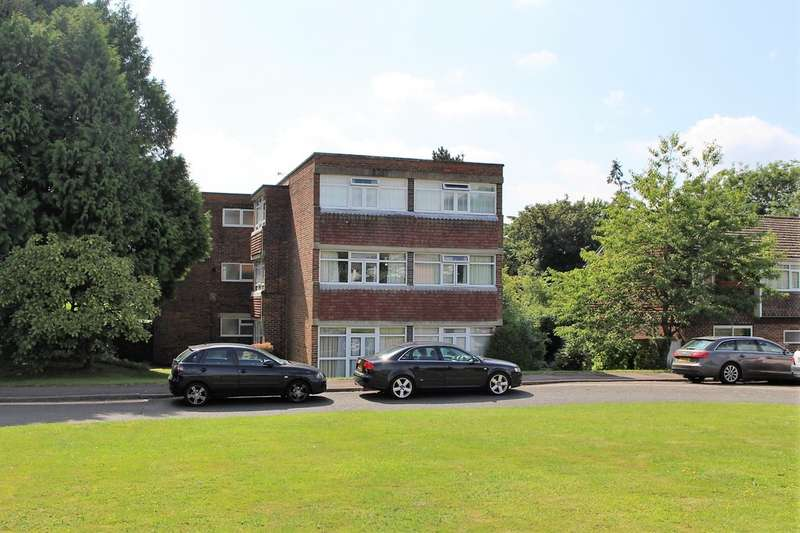 2 Bedrooms Apartment Flat for sale in Highfield Close, Milton Road RG40