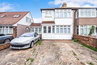 5 Bedrooms Semi Detached House for sale in Collier Row, Romford, Havering