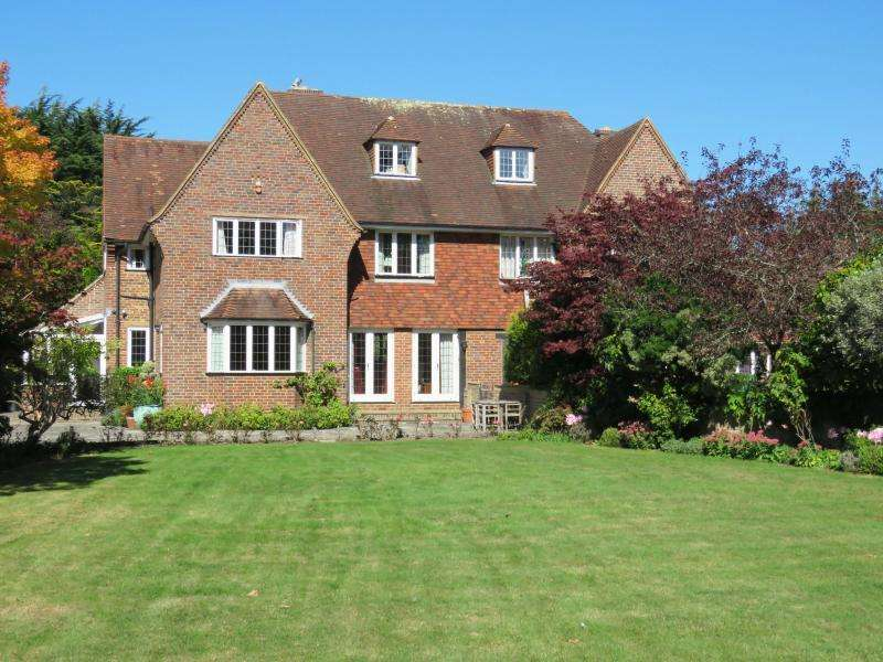 5 Bedrooms Semi Detached House for sale in Sinah Lane, Hayling Island
