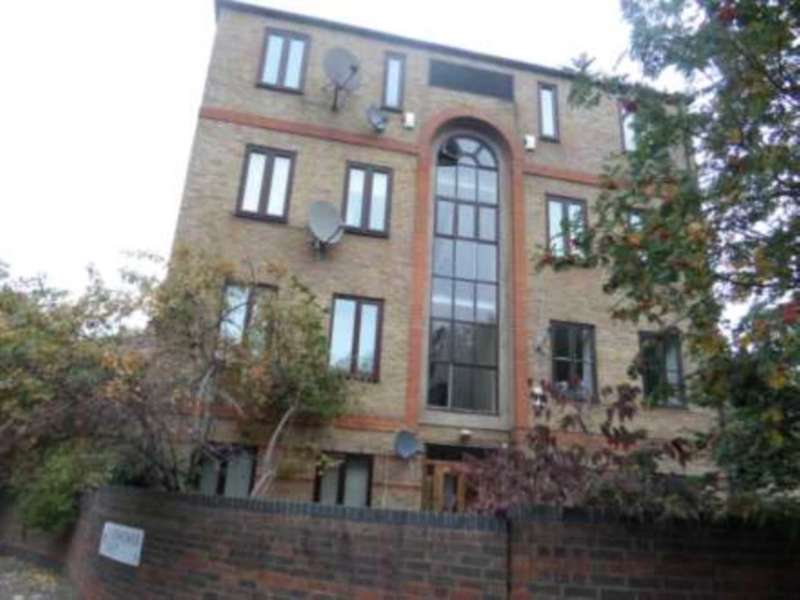 1 Bedroom Flat for sale in Tollgate Road, E6 5JY