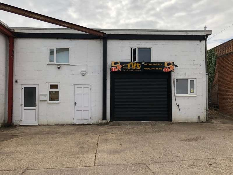 3 Bedrooms Mixed Use Commercial for sale in Flat and unit 2