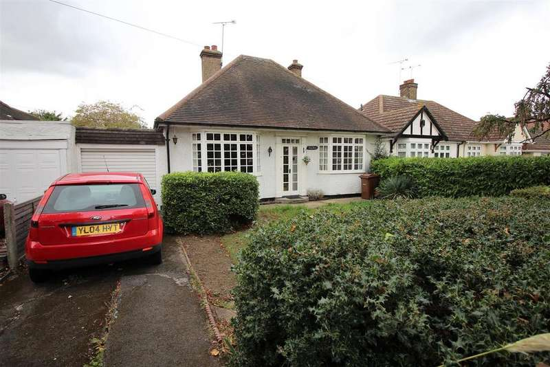 2 Bedrooms Detached Bungalow for sale in Connaught Avenue, North Grays
