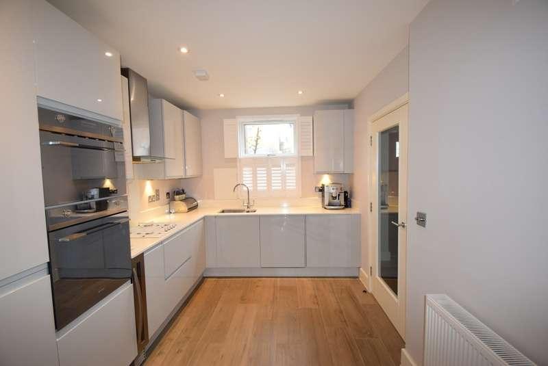 2 Bedrooms Detached House for sale in Alma Road, Windsor, SL4