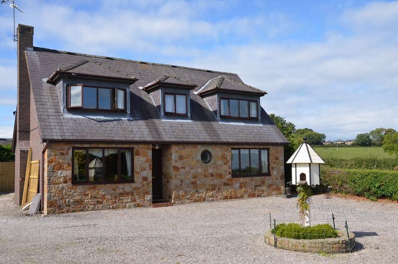 3 Bedrooms Detached House for sale in Ffordd Y Bont, Treuddyn, CH7