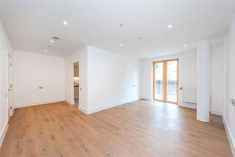 2 Bedrooms Flat for sale in Tollington Way, Upper Holloway, N7