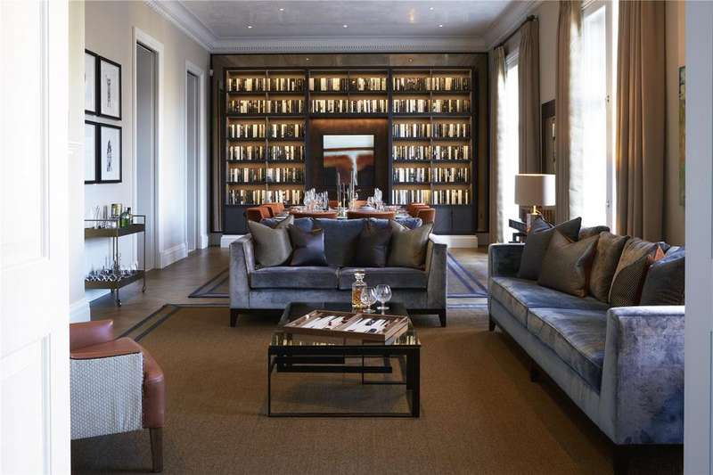4 Bedrooms Flat for sale in St. James's Street, London