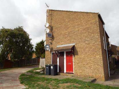 1 Bedroom Maisonette Flat for sale in Southampton Gardens, Luton, Bedfordshire, England