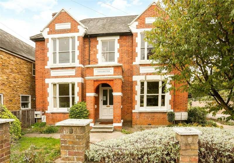 2 Bedrooms Flat for sale in Frances Road, Windsor, Berkshire, SL4