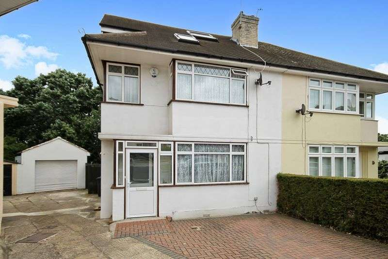4 Bedrooms Property for sale in West Close, Greenford