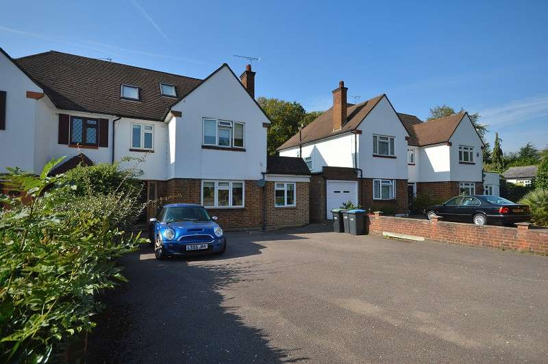 4 Bedrooms Semi Detached House for sale in Bush Hill, Winchmore Hill, London. N21