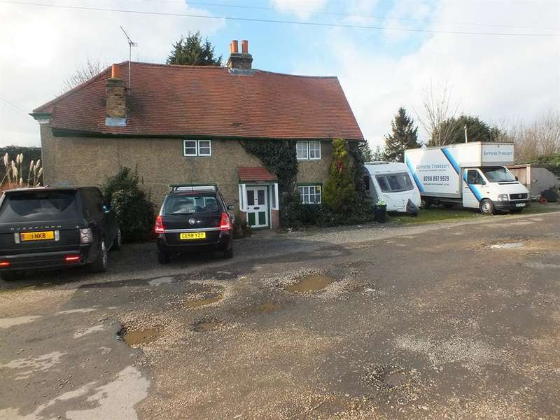 4 Bedrooms Farm House Character Property for sale in WEST END LANE, HARLINGTON, UB3 5LY
