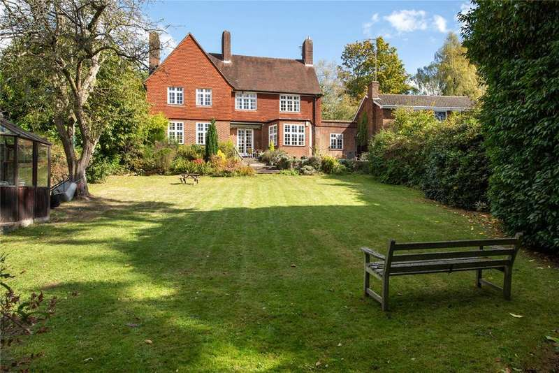 4 Bedrooms Detached House for sale in Roman Road, Dorking, Surrey, RH4