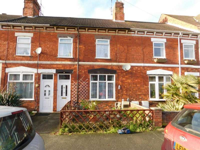 4 Bedrooms Terraced House for sale in Alexandra Road, Skegness, PE25 3RE