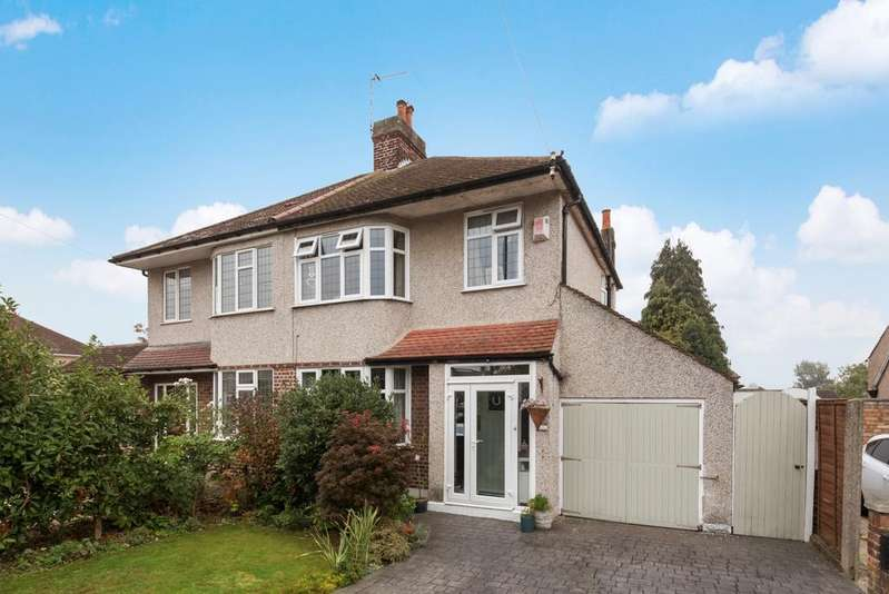 3 Bedrooms Semi Detached House for sale in Bedonwell Road Belvedere DA17