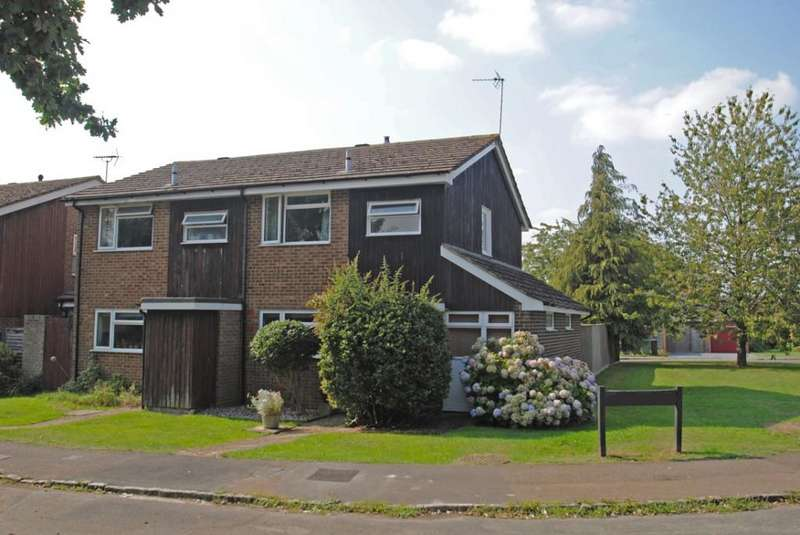 3 Bedrooms Semi Detached House for sale in Wayside Green, Woodcote