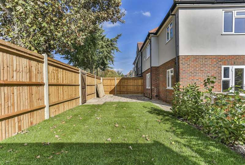 4 Bedrooms Semi Detached House for sale in Tilehurst Road, Cheam, Sutton
