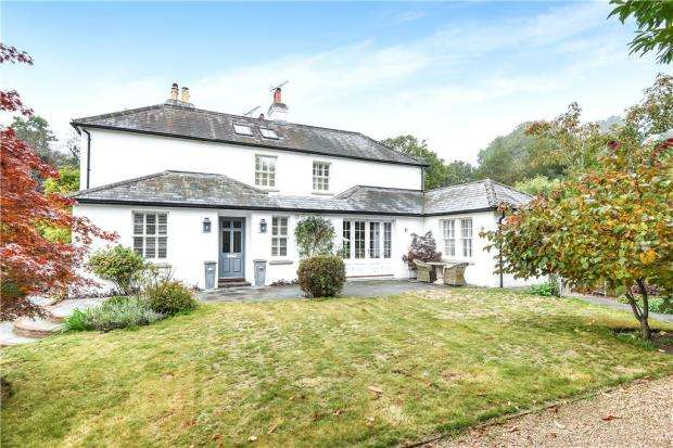 4 Bedrooms Semi Detached House for sale in Kennel Lane, Windlesham, Surrey