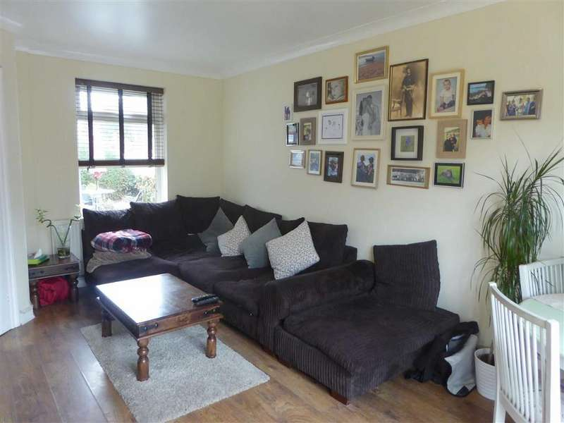 3 Bedrooms Terraced House for sale in Aberford Road, Baguley