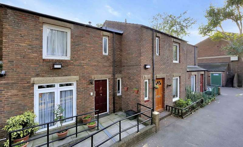 4 Bedrooms House for sale in Staveley Close, London N7