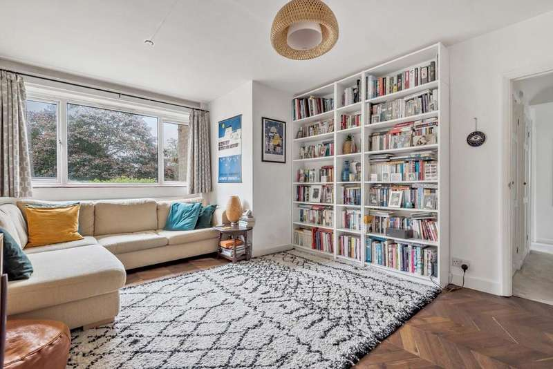 2 Bedrooms Flat for sale in Beacon Road, Hither Green