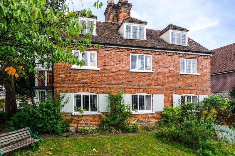 4 Bedrooms Detached House for sale in The Green, Sidcup, DA14 6BS