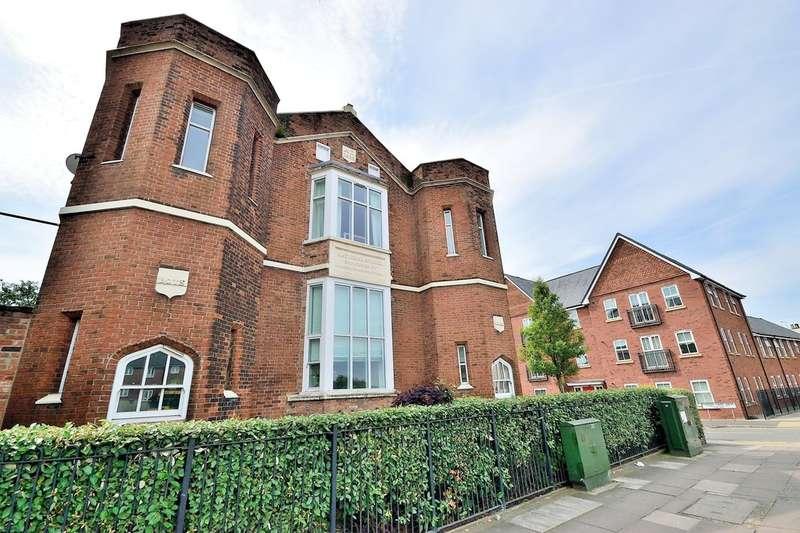 2 Bedrooms Flat for sale in Pinders Farm Drive, Warrington