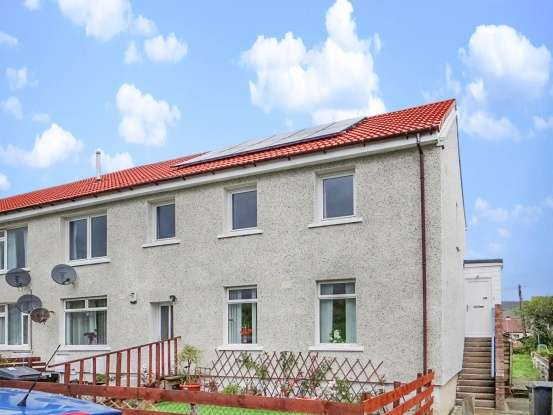 3 Bedrooms Flat for sale in Dryburn Road, Sanquhar, Dumfriesshire, DG4 6SN