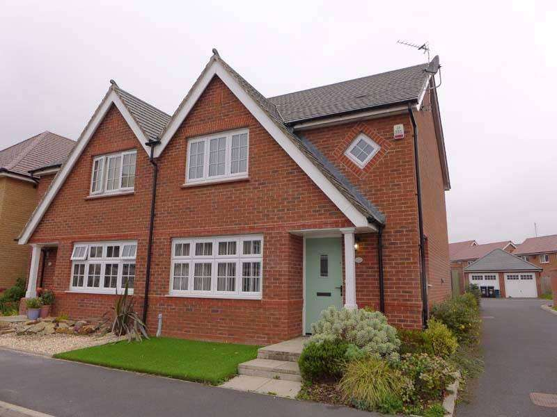 3 Bedrooms Semi Detached House for sale in WINDWARD AVENUE