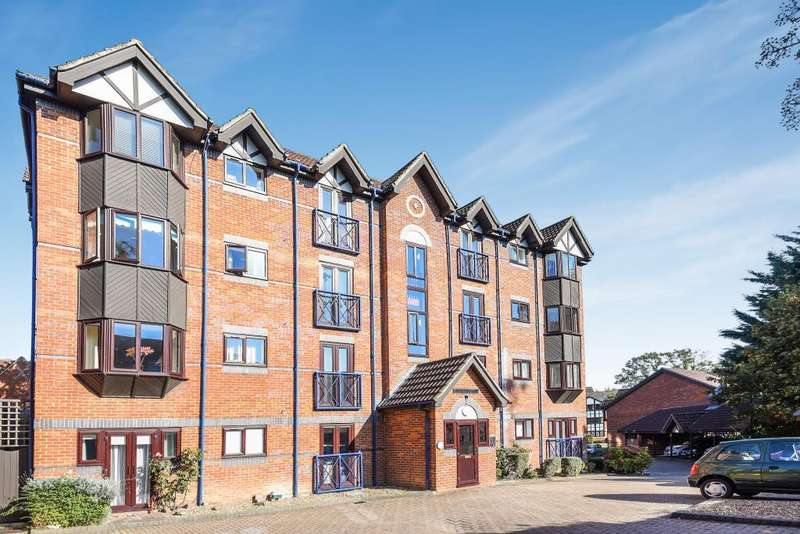 2 Bedrooms Flat for sale in Talbot Court, Reading, RG1
