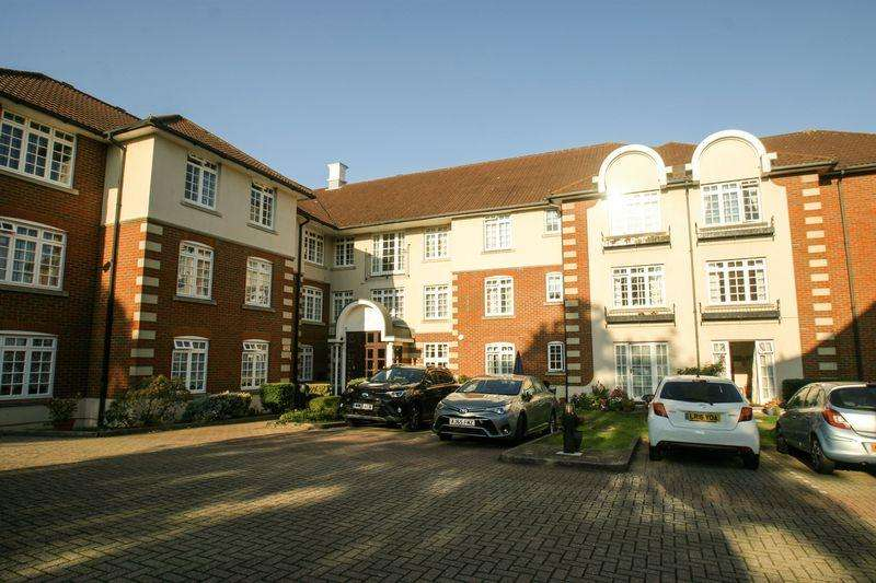 1 Bedroom Retirement Property for sale in PALMERS GREEN