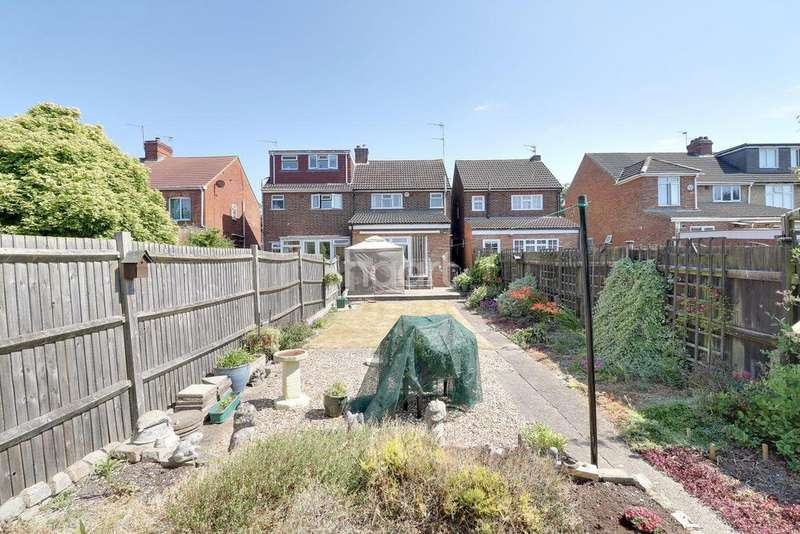 3 Bedrooms Semi Detached House for sale in Icknield Road, LU3