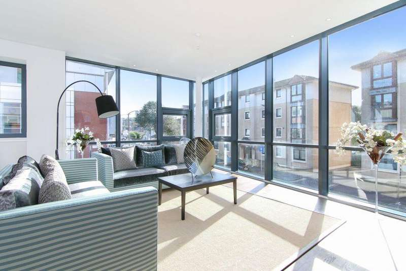 3 Bedrooms Flat for sale in 73/4 Canon Quarter Logie Green Road, Canonmills, EH7 4HF