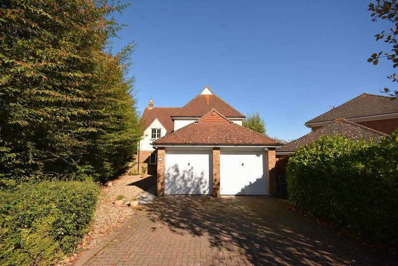 4 Bedrooms Detached House for sale in Tufted Close, Great Notley, Braintree, Essex, CM77