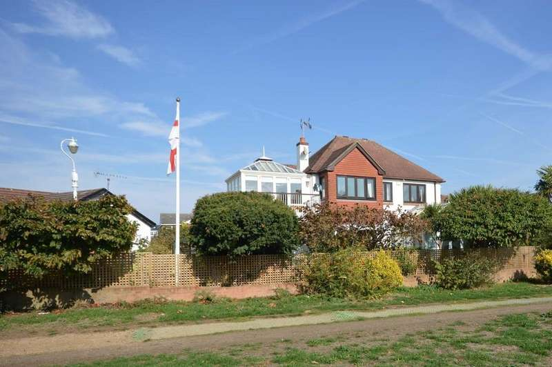 4 Bedrooms Detached House for sale in Thames Side, Staines-upon-Thames