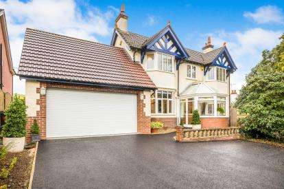 4 Bedrooms Detached House for sale in Rhydygaled, Mold, Flintshire, CH7