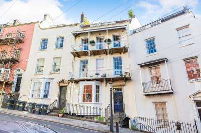 4 Bedrooms Flat for sale in Granby Hill, Clifton, Bristol