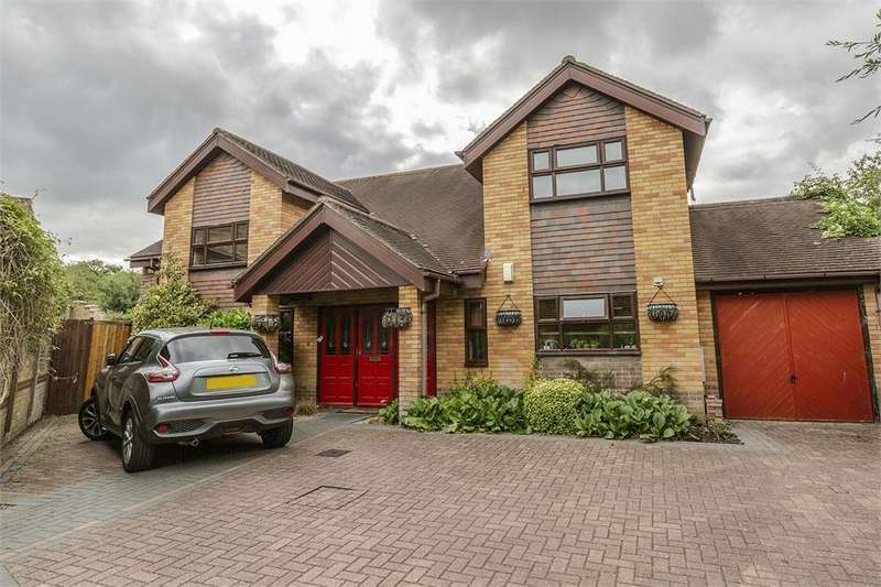 6 Bedrooms Detached House for sale in Ingleside Drive, Coreys Mill, Hertfordshire