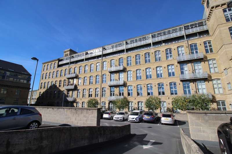 3 Bedrooms Flat for sale in Park Road, Elland, HX5