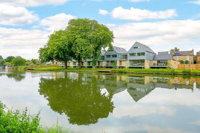5 Bedrooms Detached House for sale in Water Street, Chesterton, Cambridge, CB4