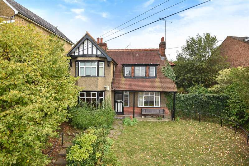 4 Bedrooms Detached House for sale in Harefield Road, Uxbridge, Middlesex, UB8