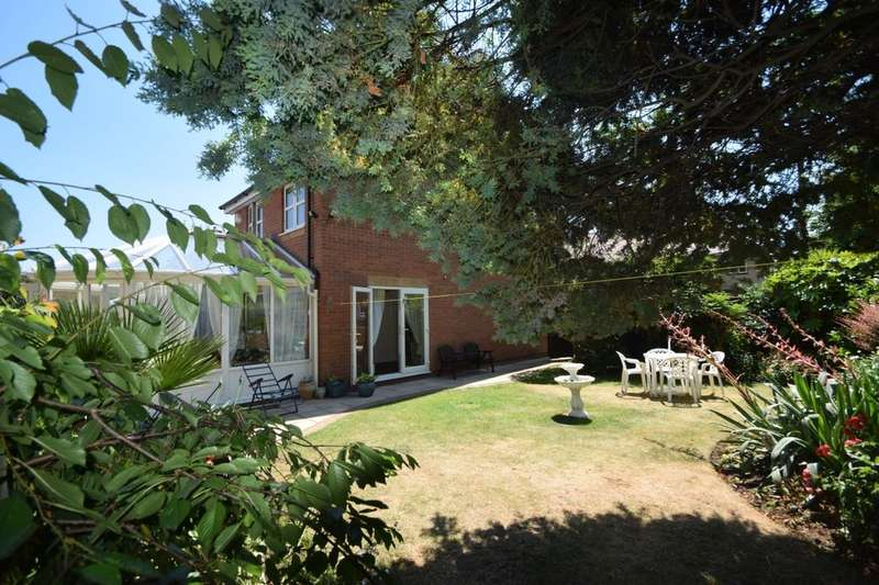 3 Bedrooms Semi Detached House for sale in Locksway Road, Southsea, PO4