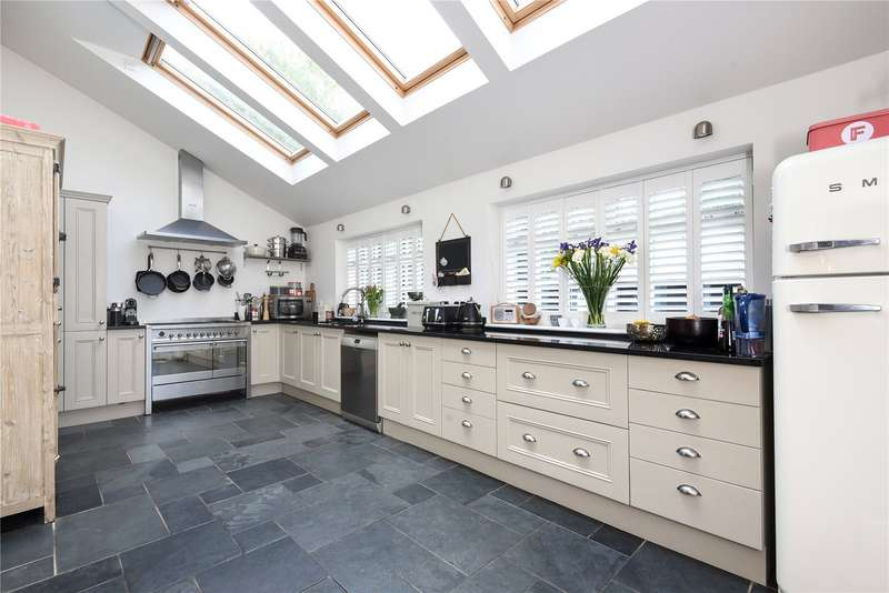 4 Bedrooms Detached House for sale in Haywards Heath Road, North Chailey
