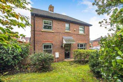 3 Bedrooms Semi Detached House for sale in Folly Wood Drive, Chorley, Lancashire, PR7
