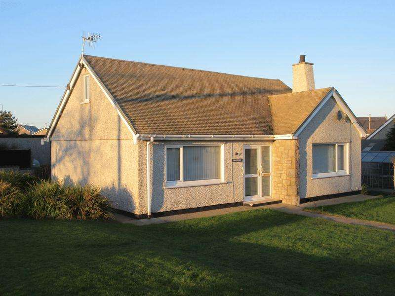 2 Bedrooms Detached Bungalow for sale in Ffordd Y Felin, Cemaes Bay