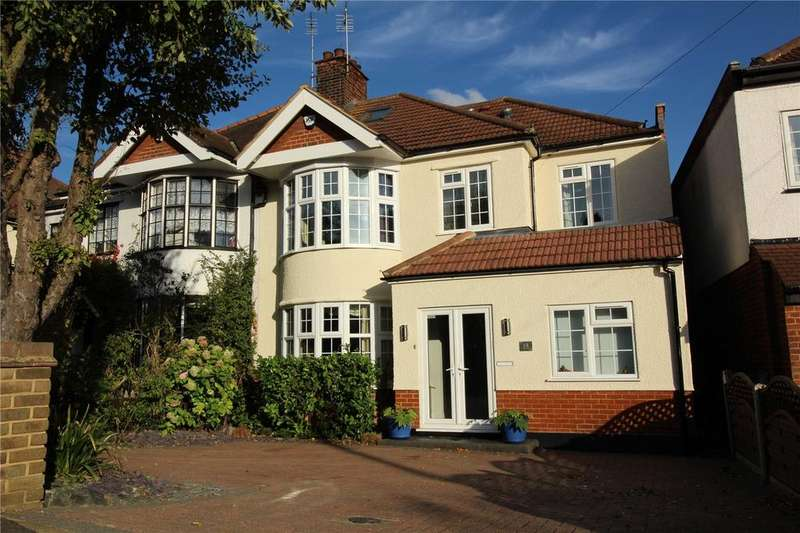 6 Bedrooms Semi Detached House for sale in Eversleigh Gardens, Upminster, RM14