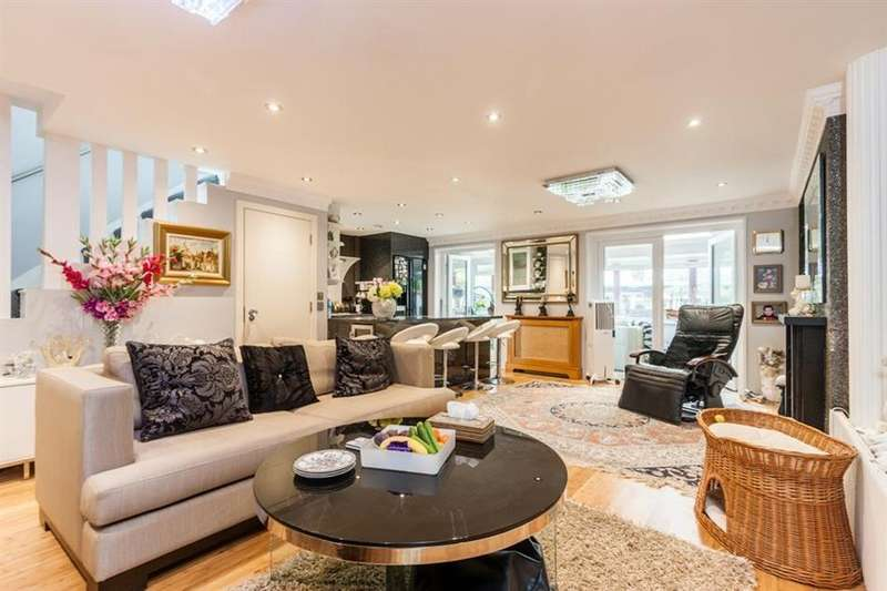 4 Bedrooms House for sale in Noel Road, Acton, London, W3